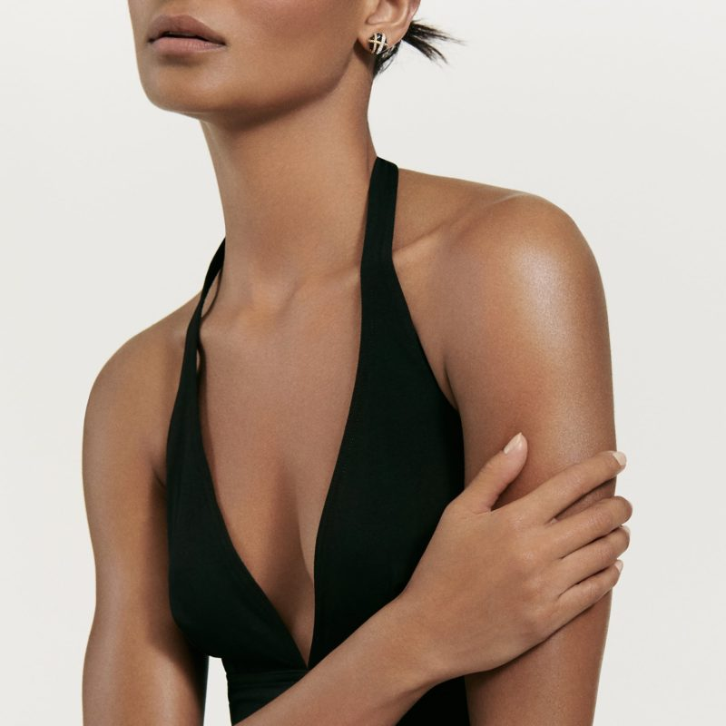 David Yurman Cable Wrap Earrings with Black Onyx and Diamonds in Gold on Model